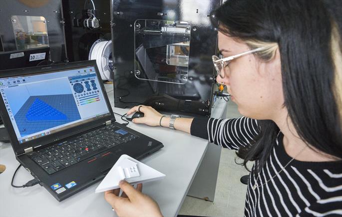 Em oito meses, Fab Lab realiza 50 projetos inovadores